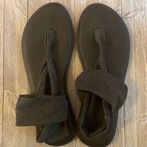 Sanuk Sandals Size 11